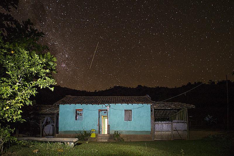 No sítio Marimbondo, interior de Minas Gerais, a vida não está atrelada ao que passa na TV