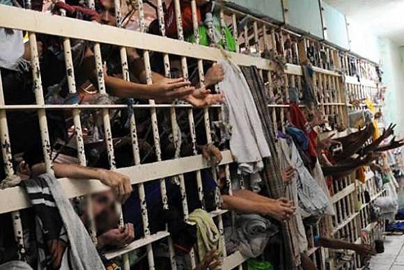 Com 726 mil presos, o Brasil tem a terceira maior população carcerária do mundo