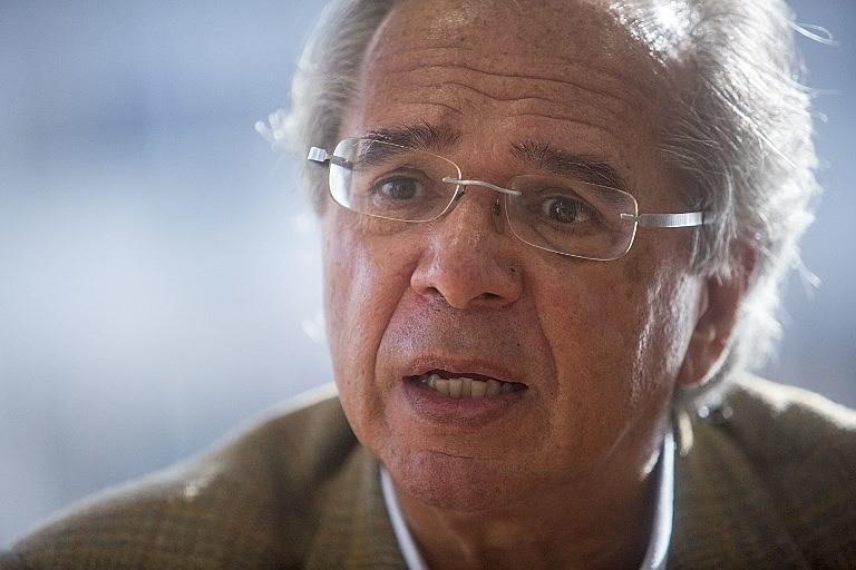 Paulo Guedes defende o modelo de capitalização individual que deu errado no Chile
