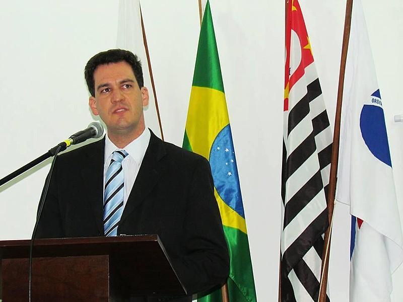 Ariel de Castro Alves é advogado e considera que não há elementos para a prisão dos irmãos