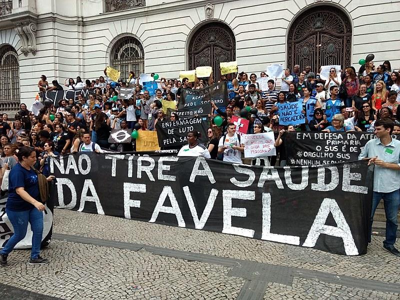 Ano passado, servidores protestaram na Câmara de Municipal em defesa do Sistema Único de Saúde (SUS) e da saúde da família