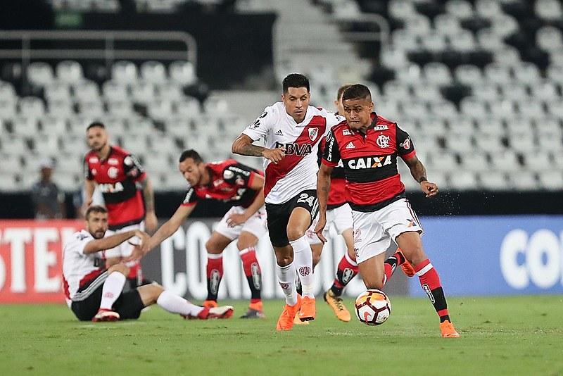 Flamengo e River Plate empataram em dois a dois nesta quarta-feira (28) pela Libertadores da América