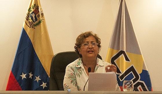 """""""A democracia não está representada nos partidos políticos, mas sim nos cidadãos"""", afirma Tibisay Lucena, do CNE"""