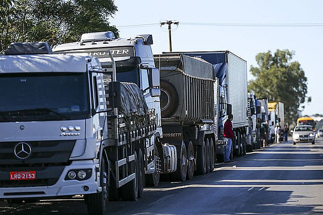 Truck drivers protest in Rio de Janeiro against diesel price hikes