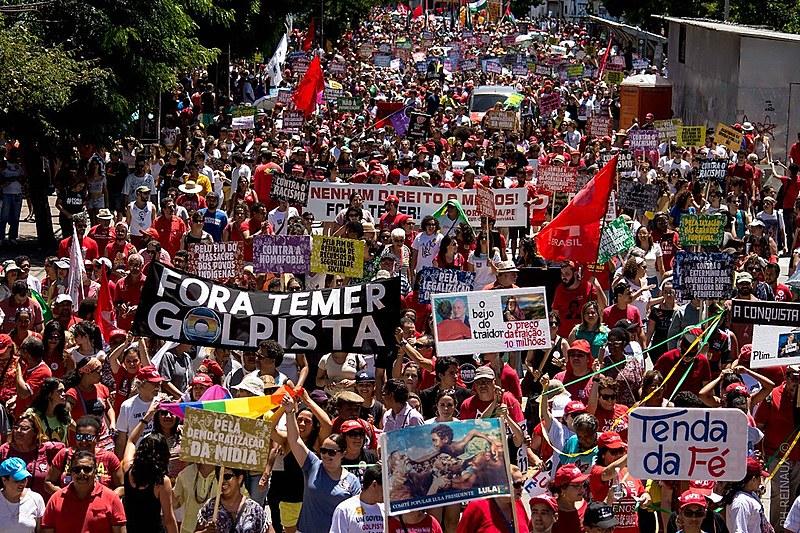 """Ao longo de toda a Marcha a palavra de ordem """"Fora Temer"""" foi unânime e ressoou nas ruas da capital."""