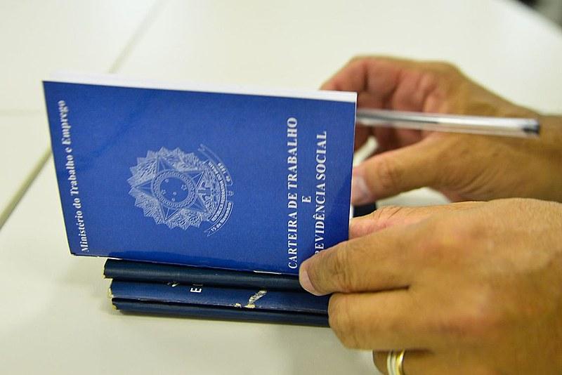 É importantíssimo  ressaltar a obrigatoriedade da anotação da Carteira de Trabalho como trabalhador temporário