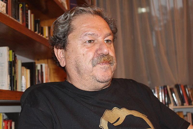 """Paco Ignácio Taibo II acredita que é a primeira vez que há um candidato que diga não """"a guerra às drogas, ao liberalismo, à corrupção""""."""