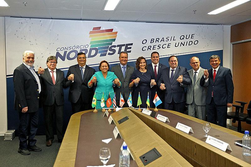 Governadores do Nordeste oficializam consórcio | Política