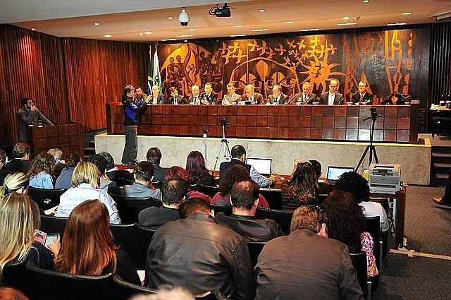 Em consenso, a audiência apontou que a maior parte das medidas propostas pelo governador comprometem a autonomia universitária