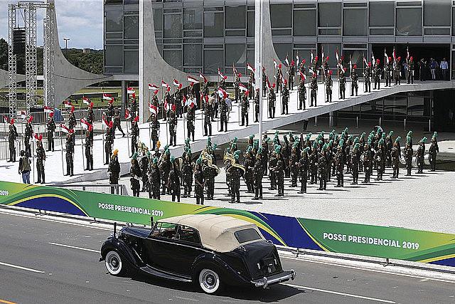Ejército brasileño durante el último ensayo de la toma de posesión