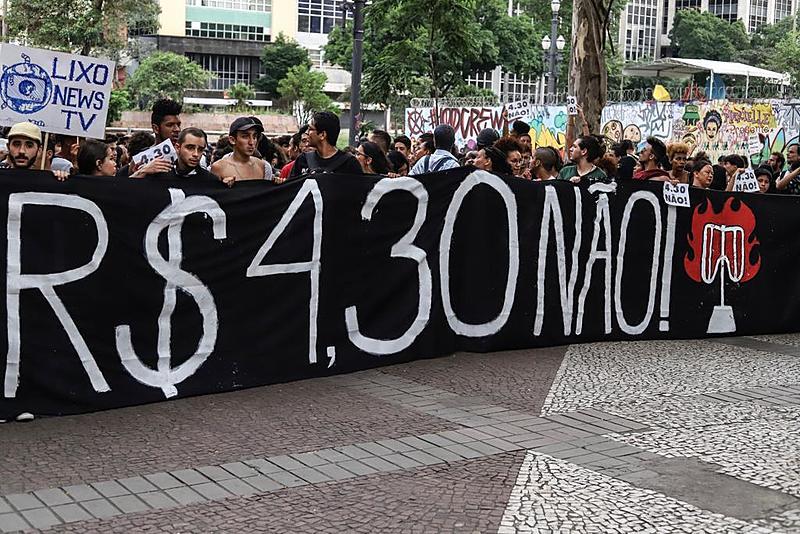 Manifestantes participam de ato contra o aumento da tarifa em janeiro deste ano