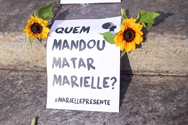 Registro feito na manhã desta quinta-feira (14) na Cinelândia, centro da cidade do Rio de Janeiro (RJ)