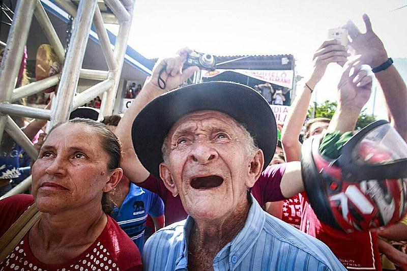 Lula fez dezenas de paradas em cidades do interior nordestino, a maioria delas estimulada por por mobilizações espontâneas da população