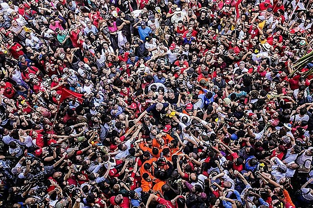 On the day Lula was incarcerated, a massive crowd gathered to stop the ex-president from turning himself in to the police