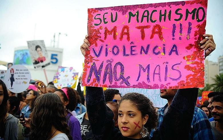 Valor destinado ao atendimento à mulher em situação de violência passou de R$ 42,9 milhões para R$ 16,7 milhões
