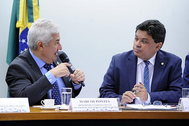 """""""Quando ouço a palavra 'expulsão', 'retirar', eu não gosto dessas palavras. Isso não é a ideia"""", afirmou Marcos Pontes, na Câmara"""