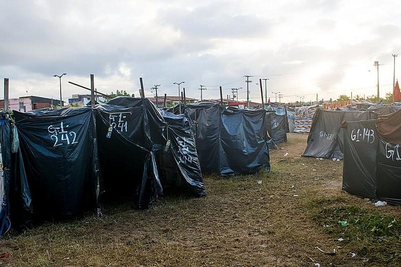1200 famílias do MTST ocupam, desde a madrugada do dia 21 de maio, umlatifúndio urbano na periferia de Fortaleza (CE)