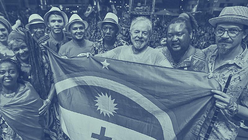 Ex-presidente Lula celebra a liberdade com apoiadores em Recife (PE) após 580 dias de prisão política