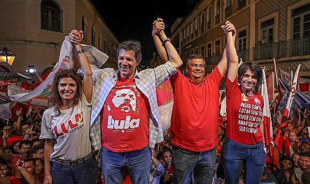 A presença dos candidatos do PT/PC do B levou às ruas milhares de pessoas de vários estados do nordeste