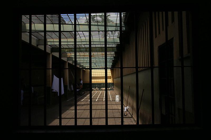 Defensoria reuniu 931 denúncias de tortura e maus tratos em presídios do estado do Rio de Janeiro