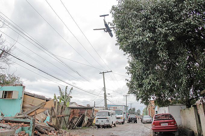 Remoção das famílias para ampliação da pista do aeroporto Salgado Filho está suspensa por determinação judicial