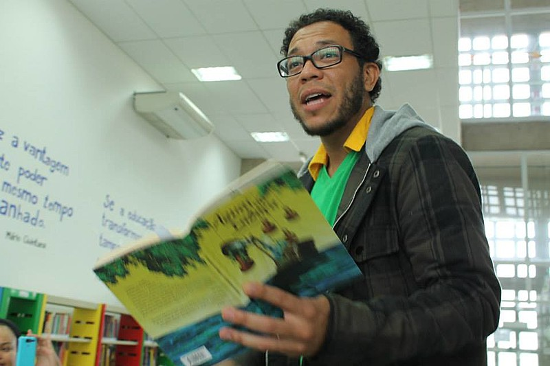 Michel Yakini é escritor e produtor cultural