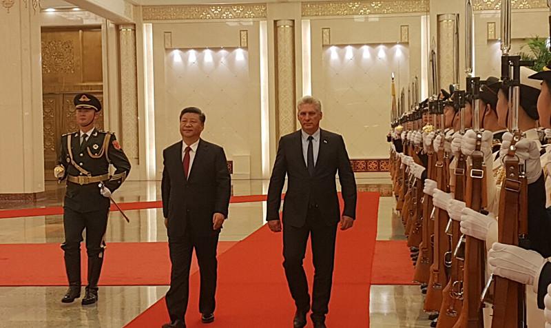 Mandatário cubano prestou homenagens ao ex-presidente chinês e antigo líder do Partido Comunista da China, Mao Tsé Tung